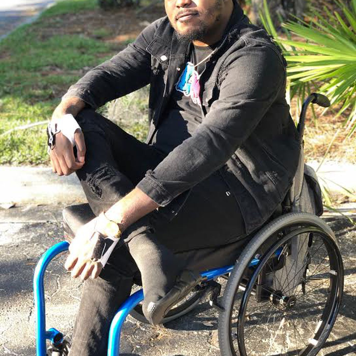 Making love with her hot paralyzed legs Bobby Roundtree Paralyzed Ex Illinois Football Star Is Down But Never Out Chicago Sun Times