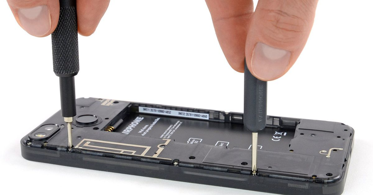 photo of The Fairphone 3 is just as modular and repairable as claimed image