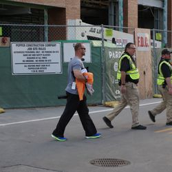 David Ross leaving the ballpark, after the players workout, on Waveland Avenue