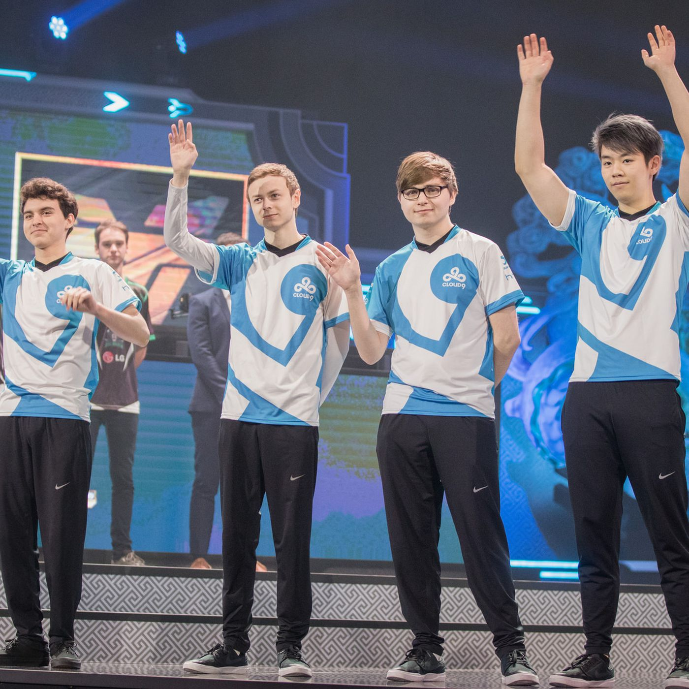 Team We And Cloud9 Dominate Their Groups In The First Days Of