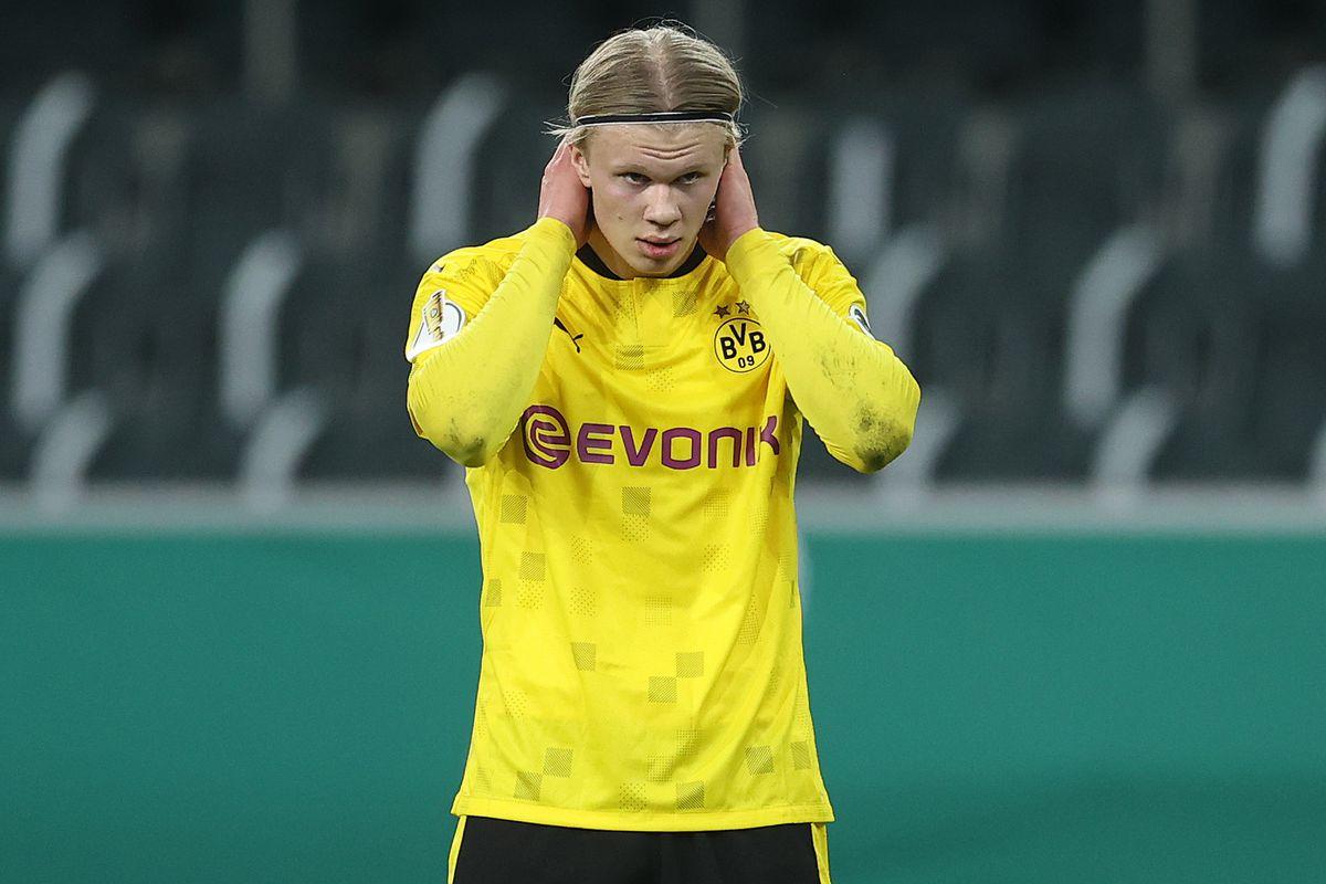 Borussia Mönchengladbach v Borussia Dortmund - DFB Cup: Quarter Final