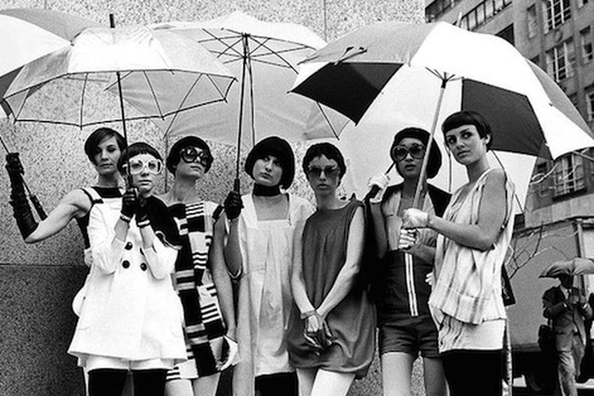 "Vidal Sassoon's mod styles still look super chic. Image via <a href=""http://www.nytimes.com/2011/02/06/movies/06vidal.html?ref=fashion"">NYT</a>."