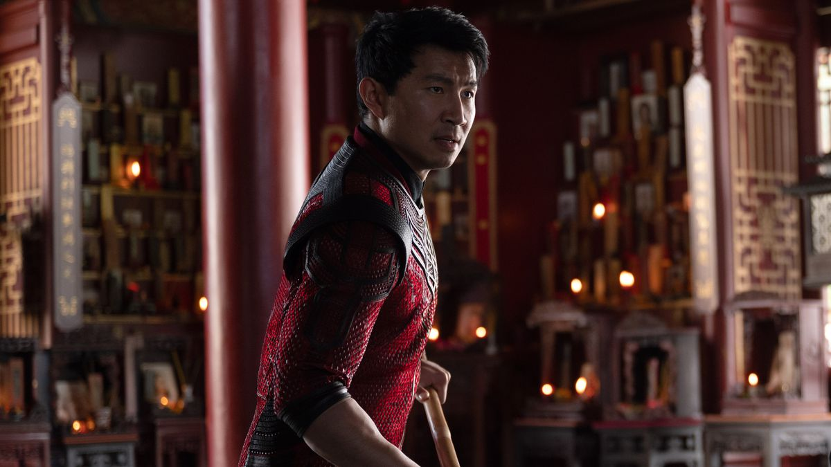 Shang-Chi readies his staff in Shang-Chi and the Legend of the Ten Rings