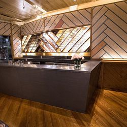 """<a href=""""http://ny.eater.com/archives/2014/07/charmer_corkbuzz_opens_tonight_in_chelsea_market.php"""">Corkbuzz Lands in Chelsea, With Menu by Missy Robbins</a>"""