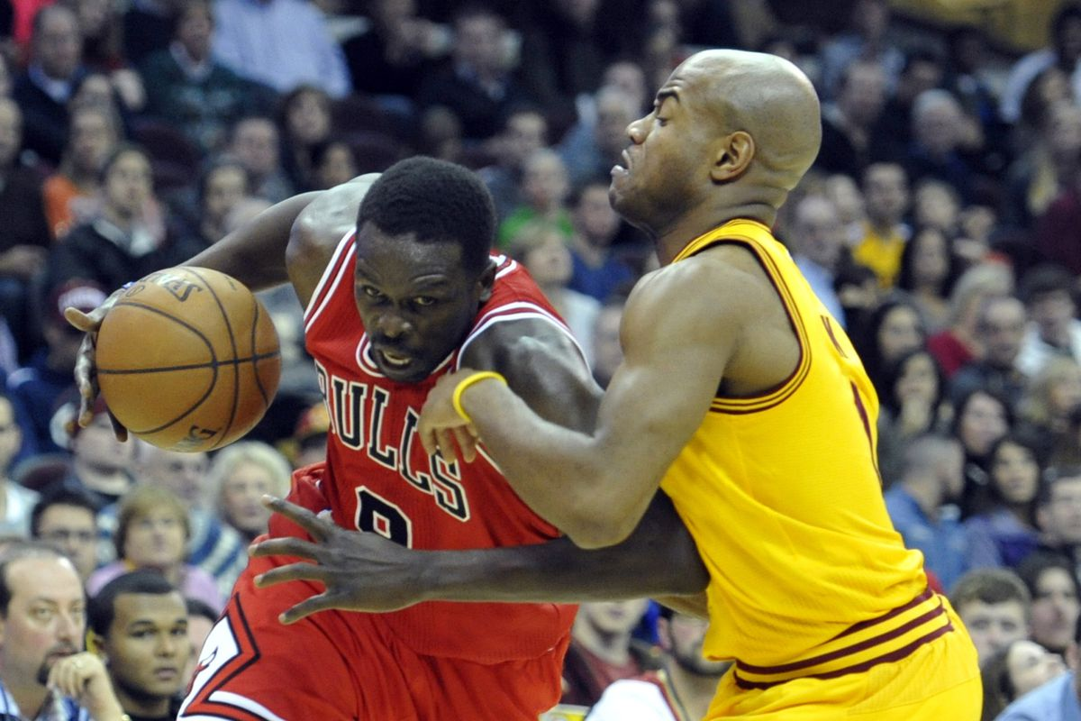 Cleveland Cavaliers vs Chicago Bulls Luol Deng faces his former