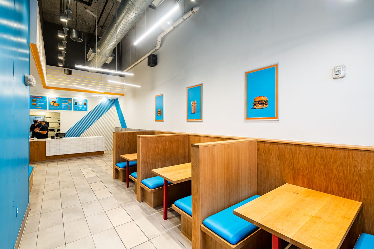 Booths for indoor eating are not available during Swizzler's opening phase
