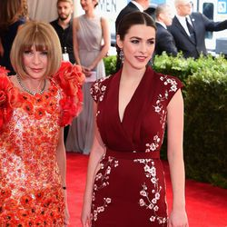 Anna Wintour in Chanel and Bee Shaffer in Alexander McQueen