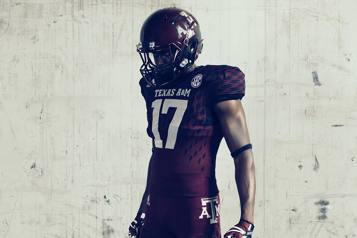 26 new college football uniforms  Simple is the 2017 trend ... 10bc64c35