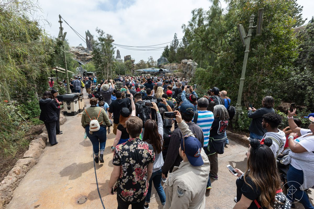 The crowds at Star Wars Galaxy's Edge Disneyland on opening day