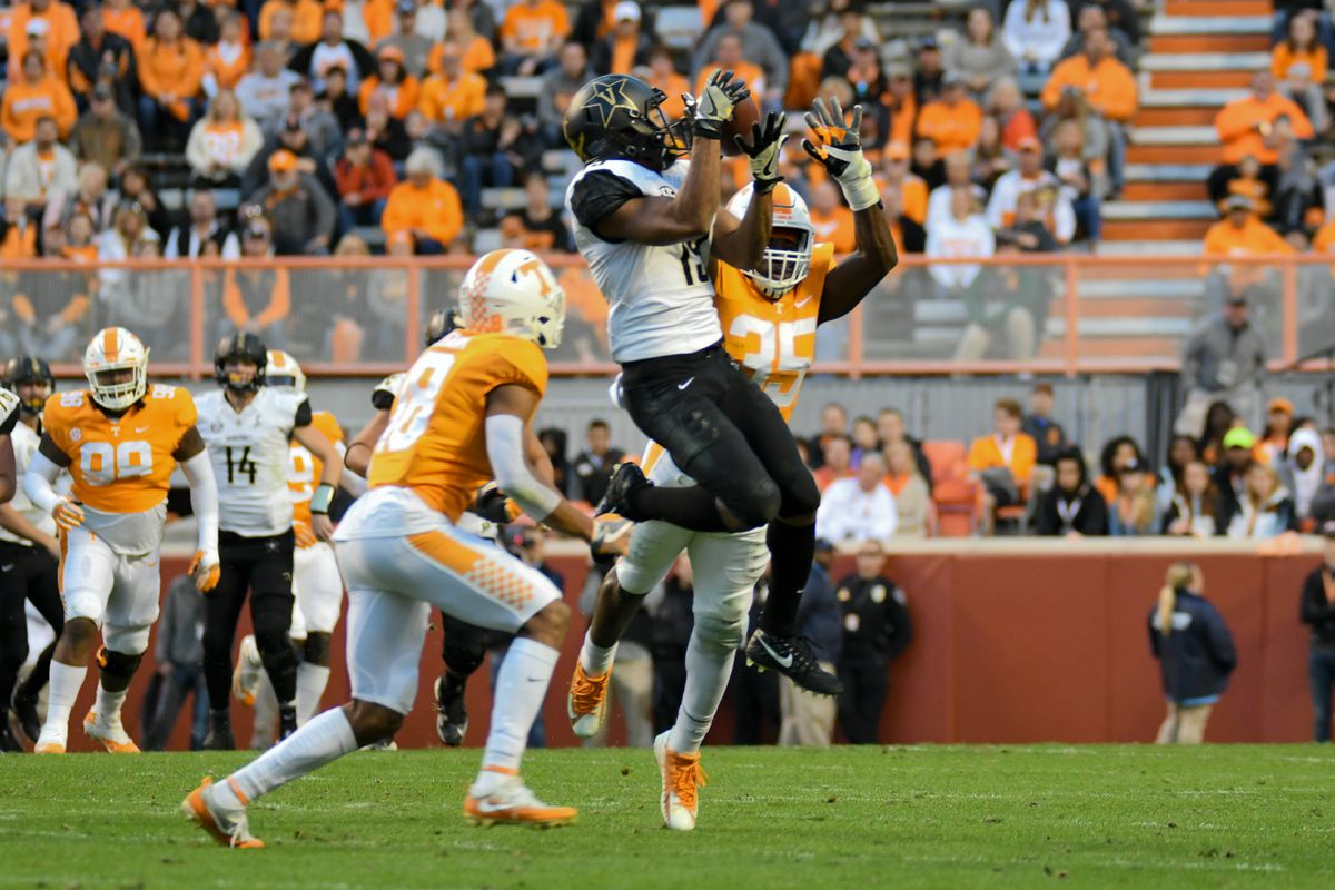 Vanderbilt wallops Tennessee 42-24, hands Volunteers first 8-loss season