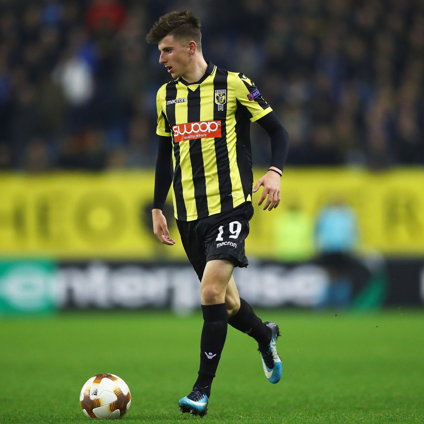Mason Mount Becomes Third Chelsea Loanee To Win Vitesse Player Of The Year Award We Ain T Got No History