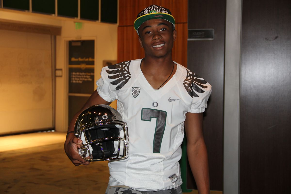 Will Darren Carrington stay a Duck or flip to Ohio State?