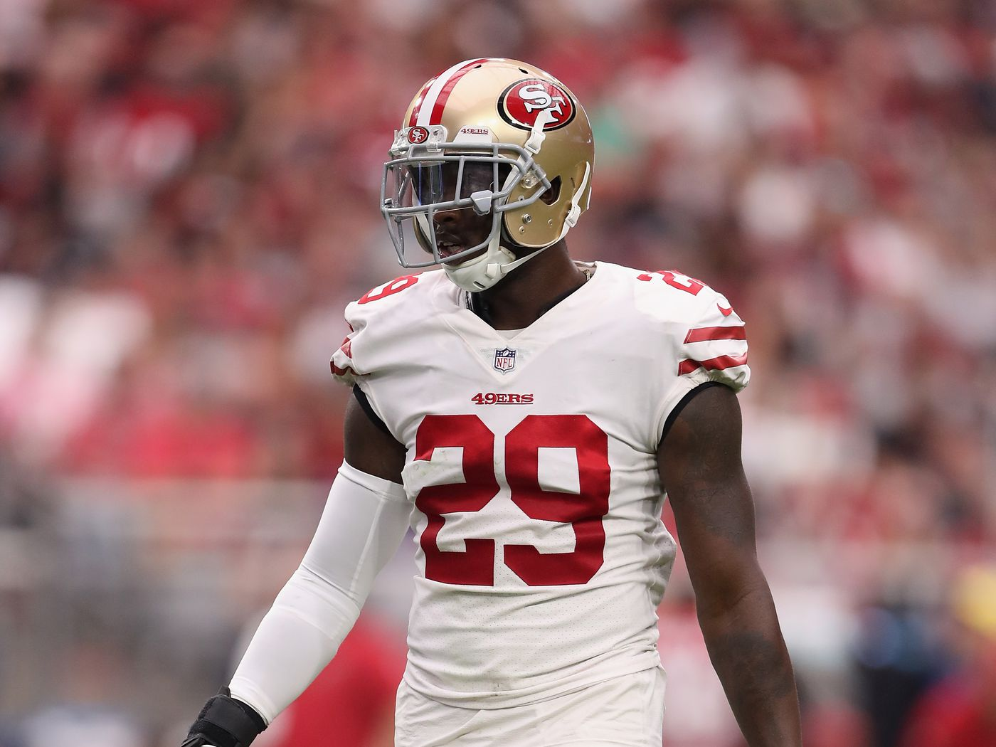 huge discount c1535 bfb9c Have a Jaquiski Tartt jersey? Mail it to him and he'll ...