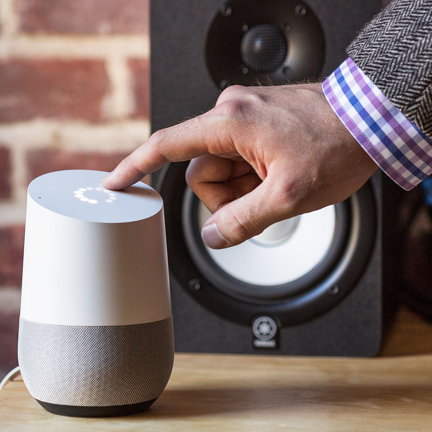 Google Home now works with Belkin WeMo and Honeywell smart