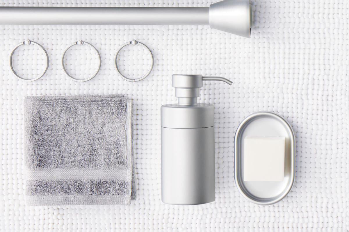 minimalist bath accessories
