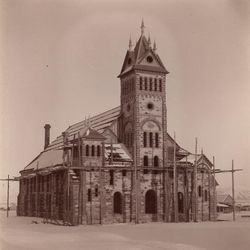 The Bear Lake Tabernacle under construction in Paris, Idaho, in 1887.