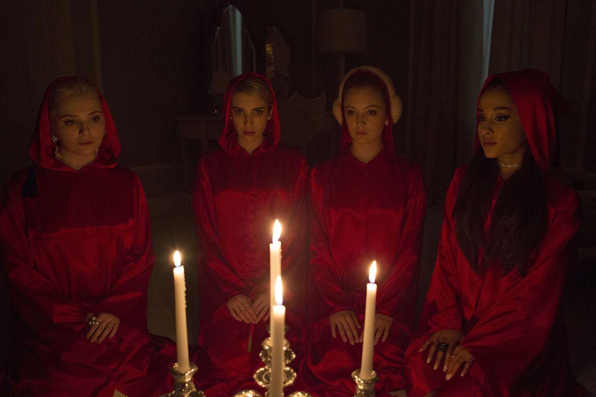 The Chanels (Abigail Breslin, Emma Roberts, Billie Lourd, Ariana Grande), creepin'.