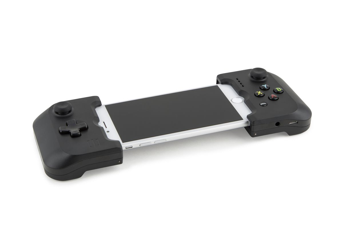 The Gamevice is an iPhone 7 controller that brings back the