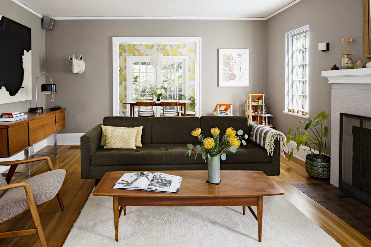 Architect risa boyer leritz of risa boyer architecture says that although gray is in the name rockport gray by benjamin moore this color is a dark