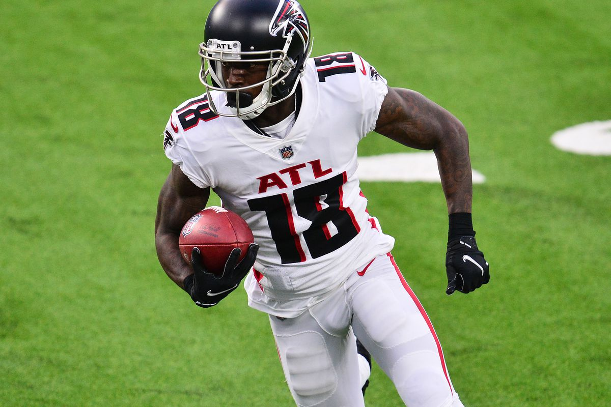 Atlanta Falcons wide receiver Calvin Ridley runs the ball against the Los Angeles Chargers during the first half at SoFi Stadium.