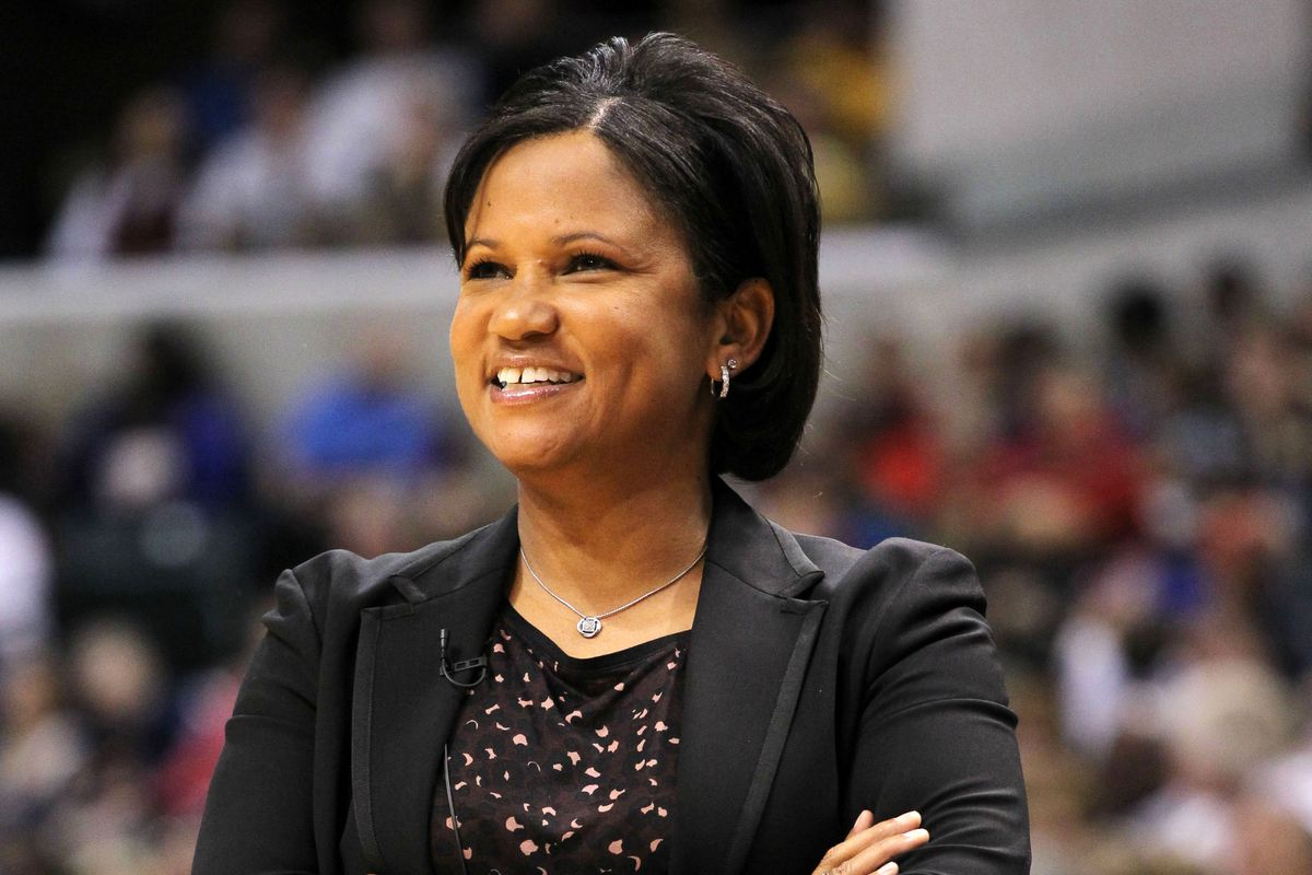 Sky Head Coach and GM Pokey Chatman made a good free agent signing today by picking up Jessica Breland today.