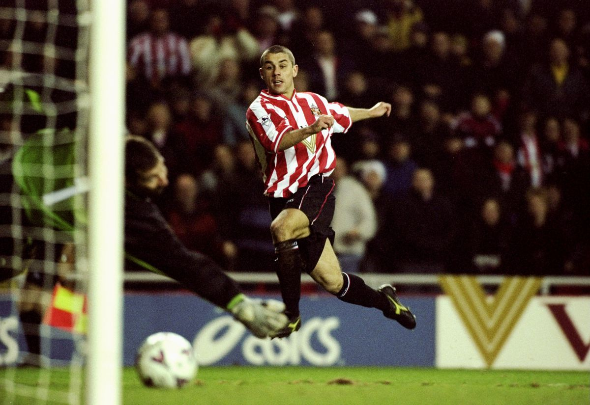 Kevin Phillips scores for Sunderland