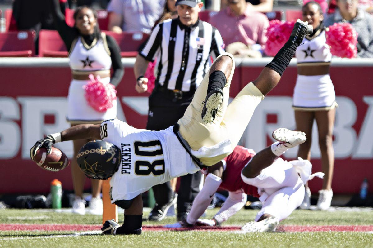 7b30e7da4837 Lessons in Vanderbilt Football  Arkansas - Anchor Of Gold