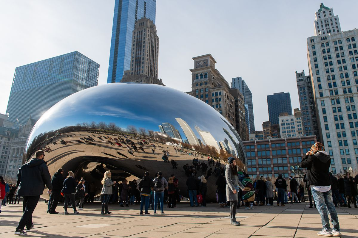 """A visit to Millennium Park — home to the famous Cloud Gate sculpture, more commonly known as """"The Bean"""" — may soon include a trip across Randolph Street to a new observation deck at the Aon Center. 