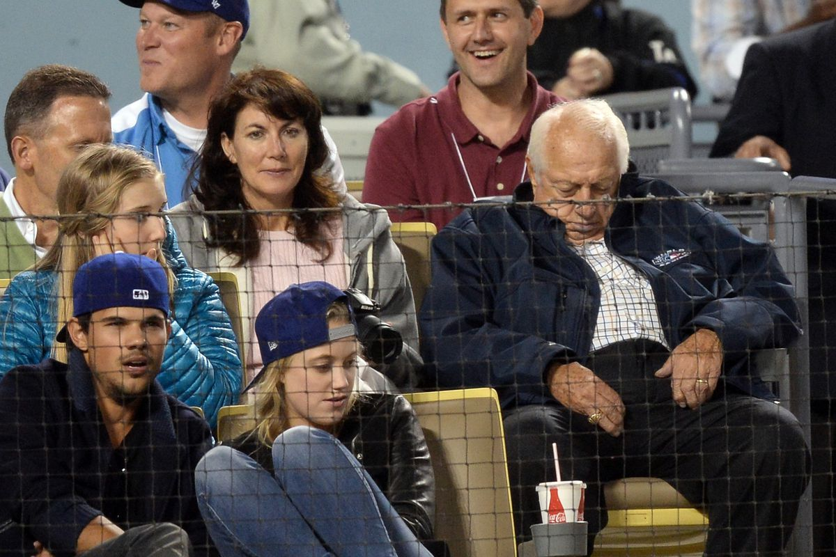 Tommy Lasorda might stay awake Saturday with the ... twilight start.