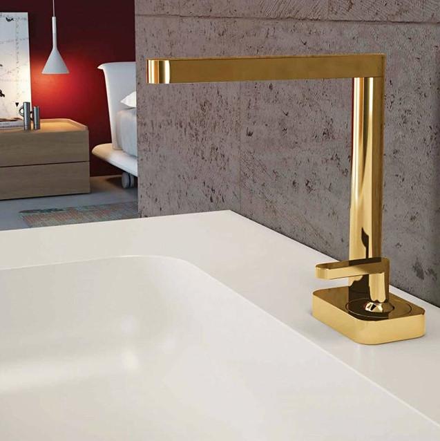 Modern bathroom faucet by Houzz
