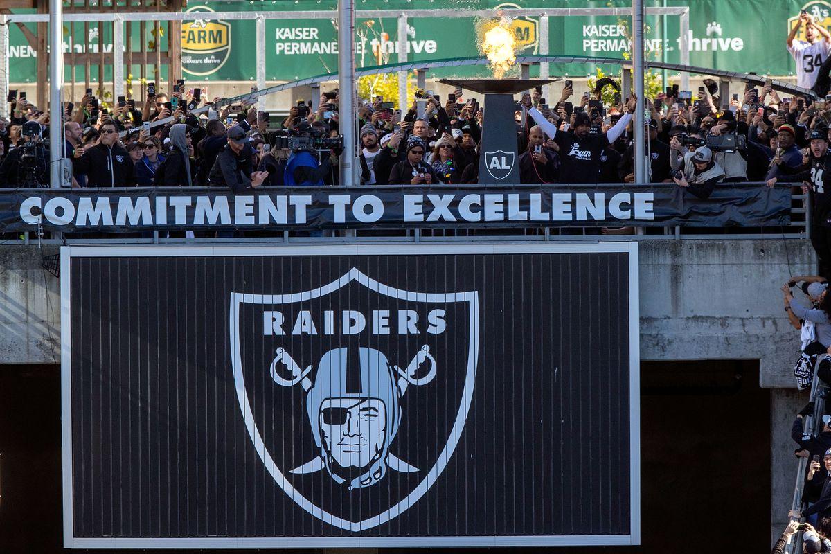 Jacksonville Jaguars v Oakland Raiders