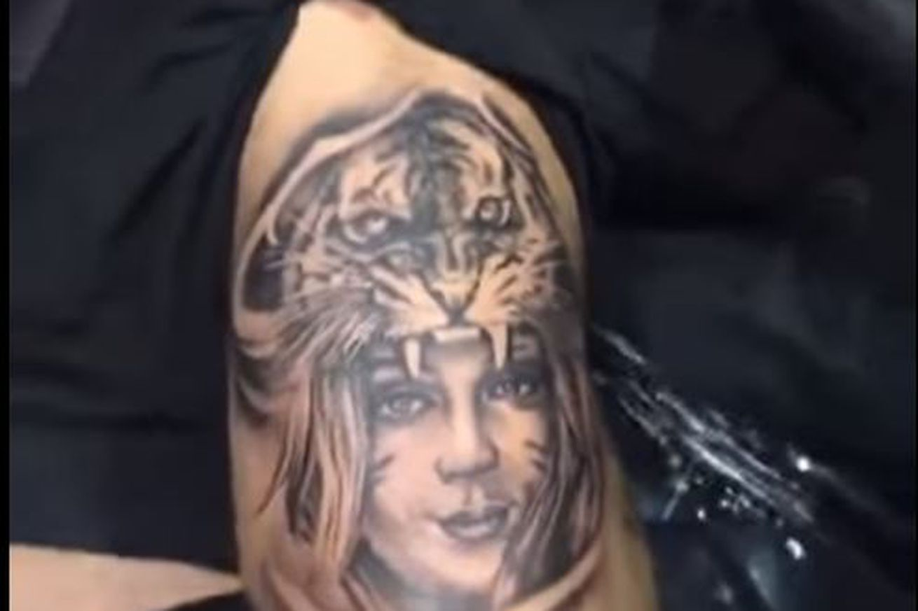 midnight mania cody garbrandt gets tattoo of his wife s face in a tiger headdress ufc betting. Black Bedroom Furniture Sets. Home Design Ideas
