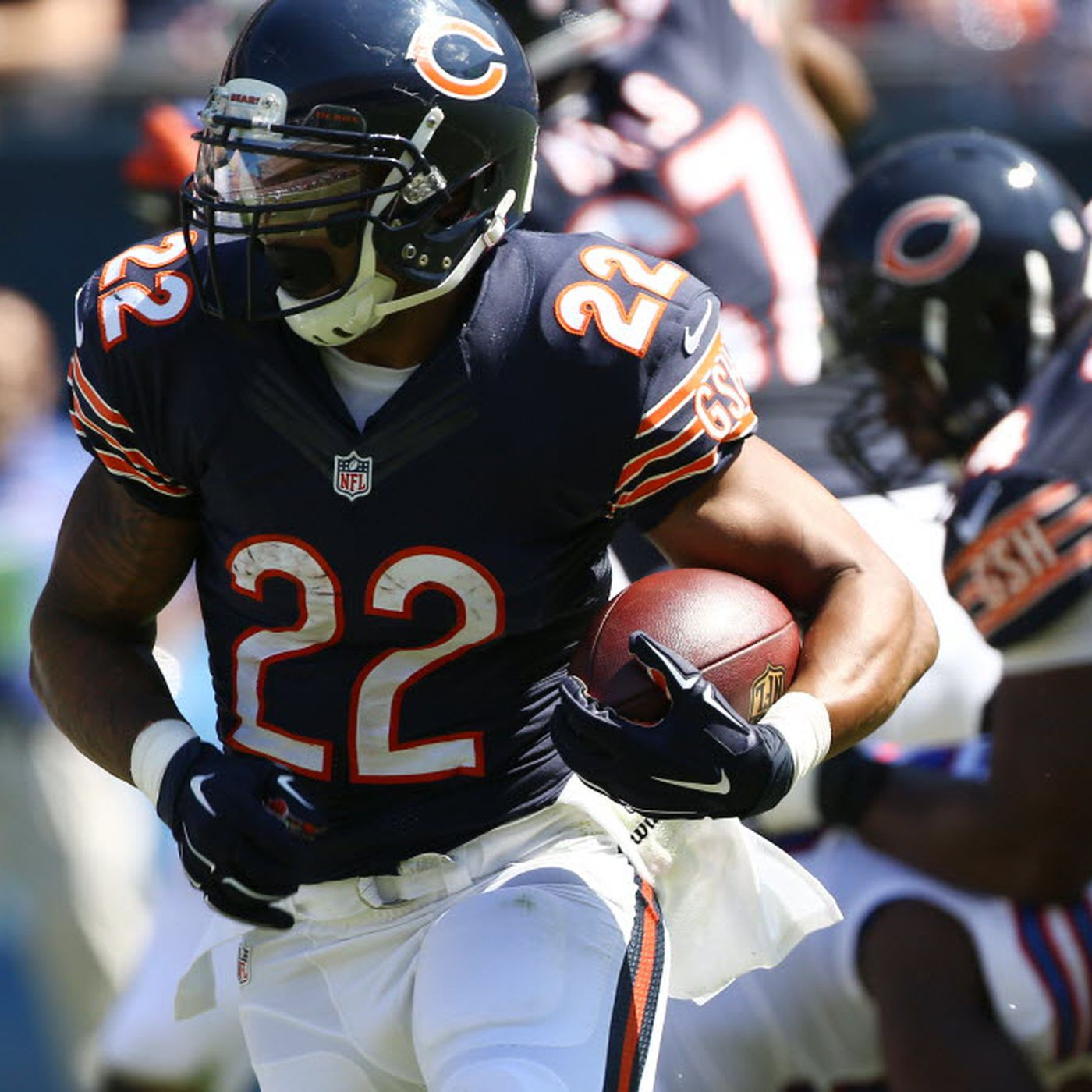 Matt Forte is a contestant on Family Feud - Chicago Sun-Times