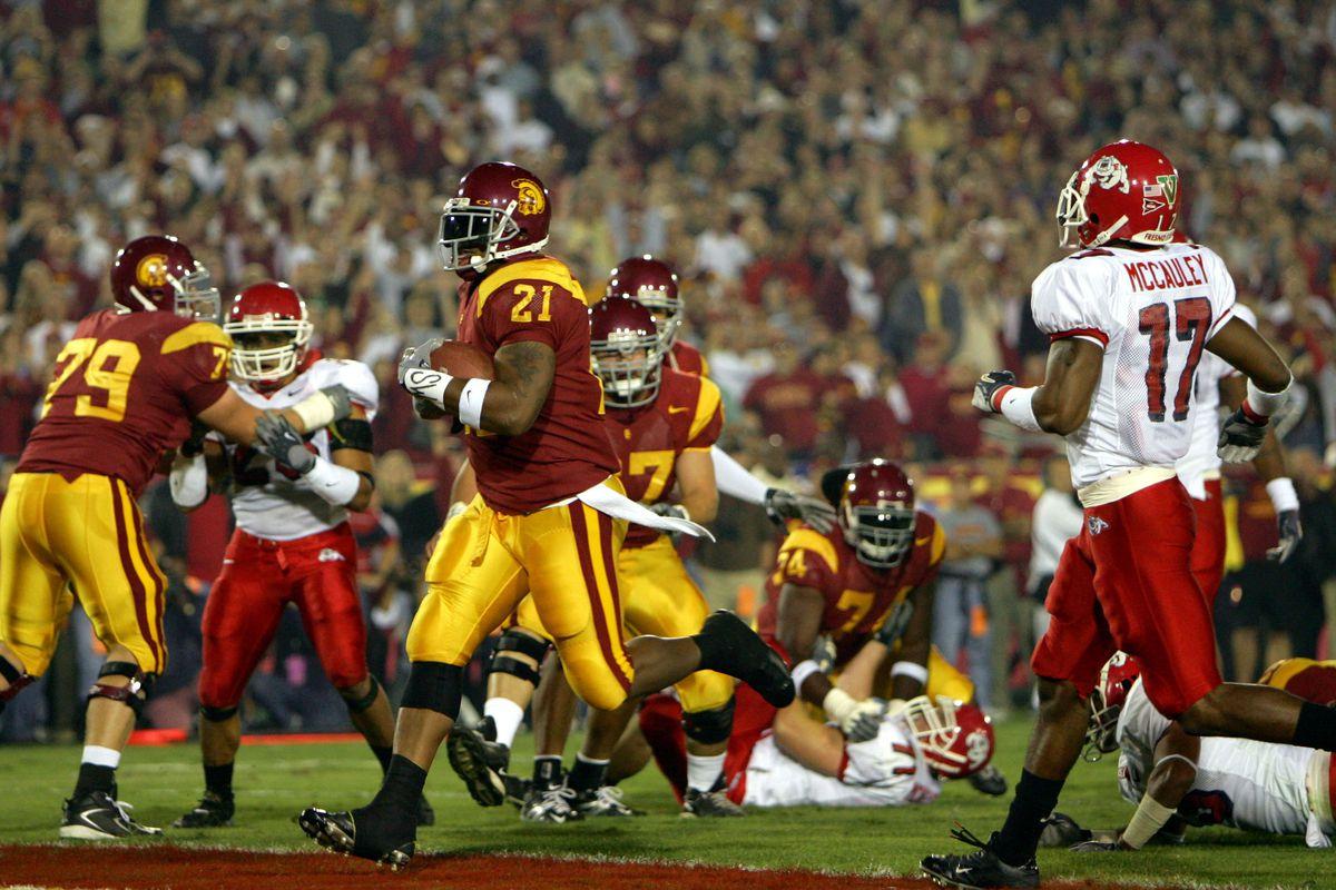 Fresno State Bulldogs v USC Trojans