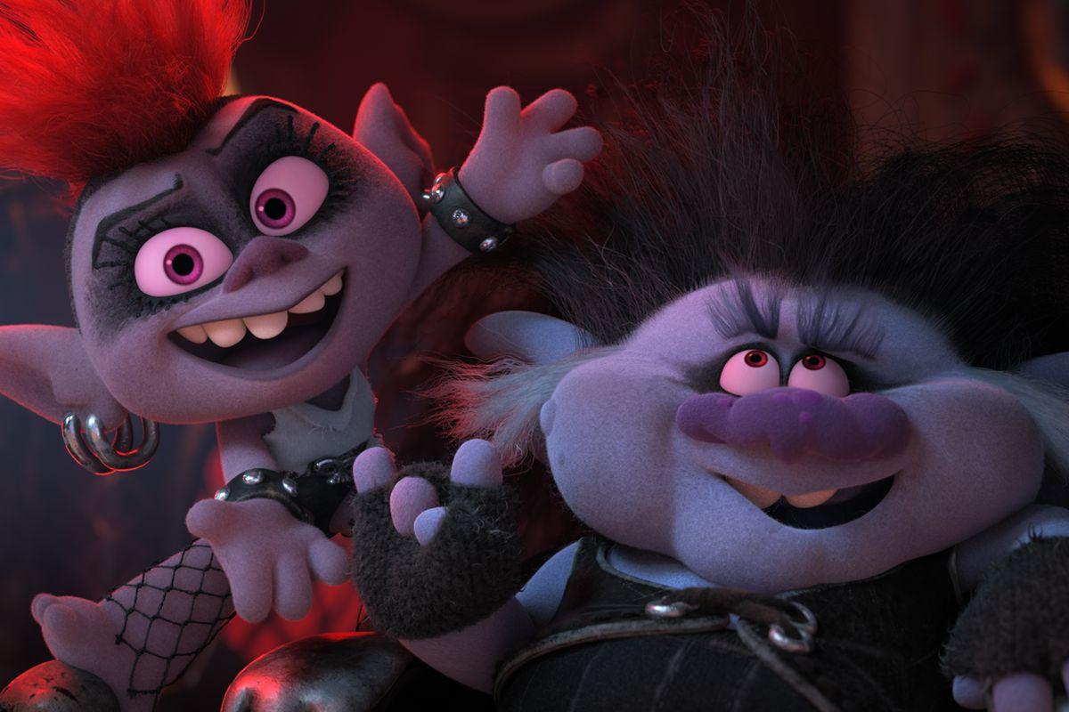 (From left) Barb (Rachel Bloom) and King Thrash (Ozzy Osbourne) in DreamWorks Animation's Trolls World Tour, directed by Walt Dohrn.