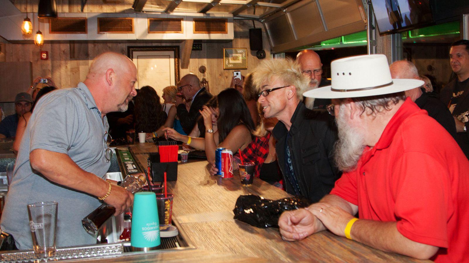 Pawn Shop Austin >> Drink the 'Old Man' at Rick's Rollin Smoke BBQ & Tavern ...