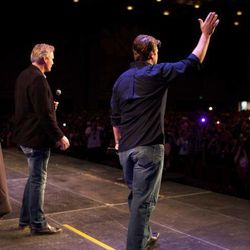 Dan Farr introduces Nathan Fillion to a crowd at Salt Lake Comic Con FanXperience.