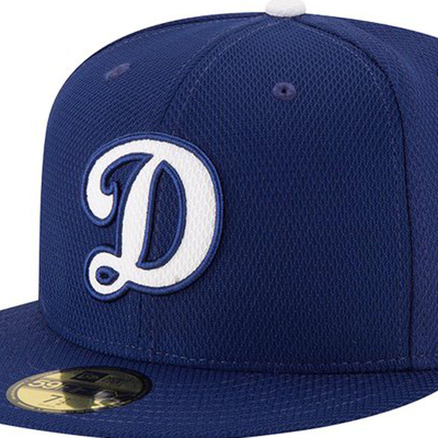 Dodgers 2016 spring training gear includes alternate  D  cap - True ... 2ab3ce106c7