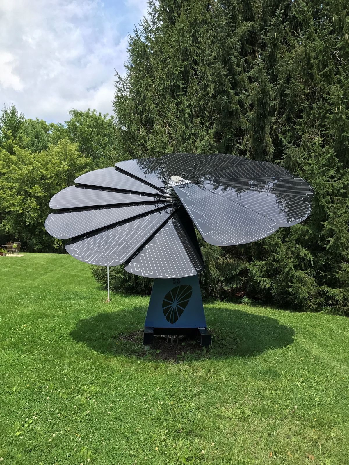 Flower-shaped solar panel now sold in the U S  - Curbed