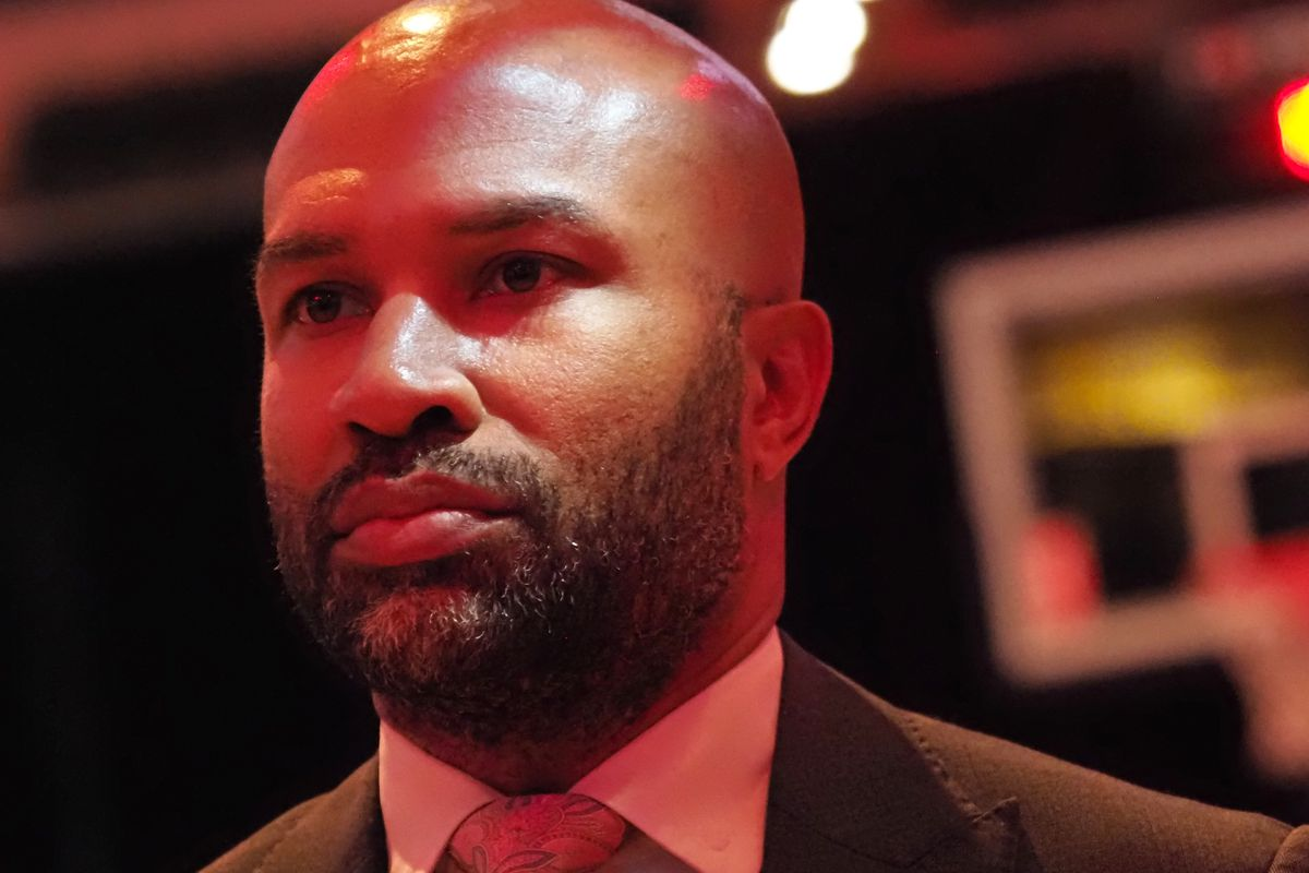 WNBA: Is Derek Fisher the right coach for the Los Angeles Sparks?