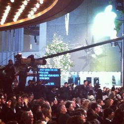 To ensure the night was seamless, a teleprompter featured the words to every song