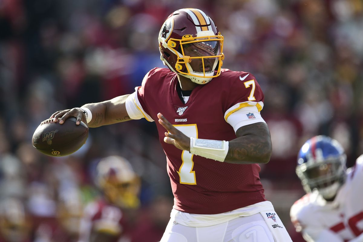 Dwayne Haskins #7 of the Washington Redskins throws a pass in the first quarter against the New York Giants at FedExField on December 22, 2019 in Landover, Maryland.