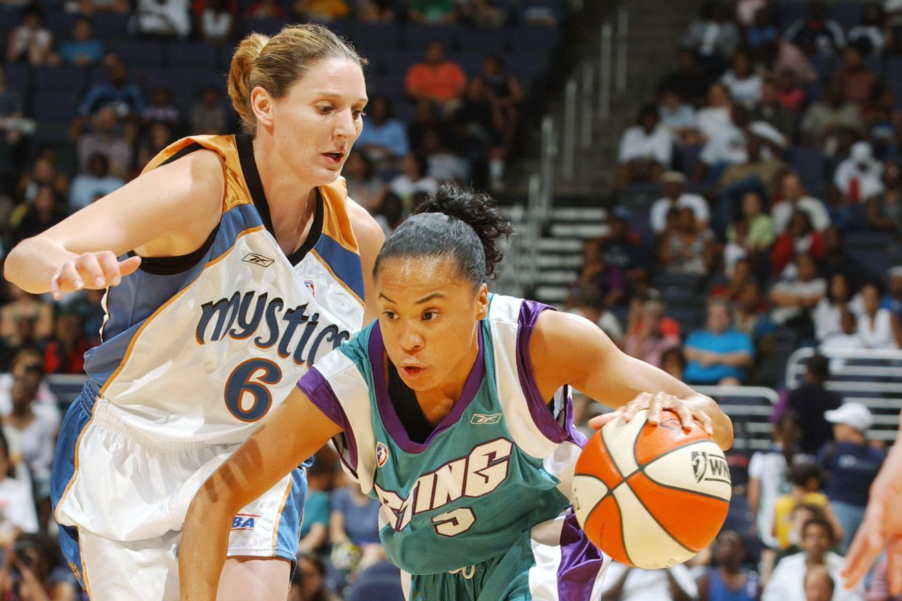 Dawn Staley of Charlotte Sting...