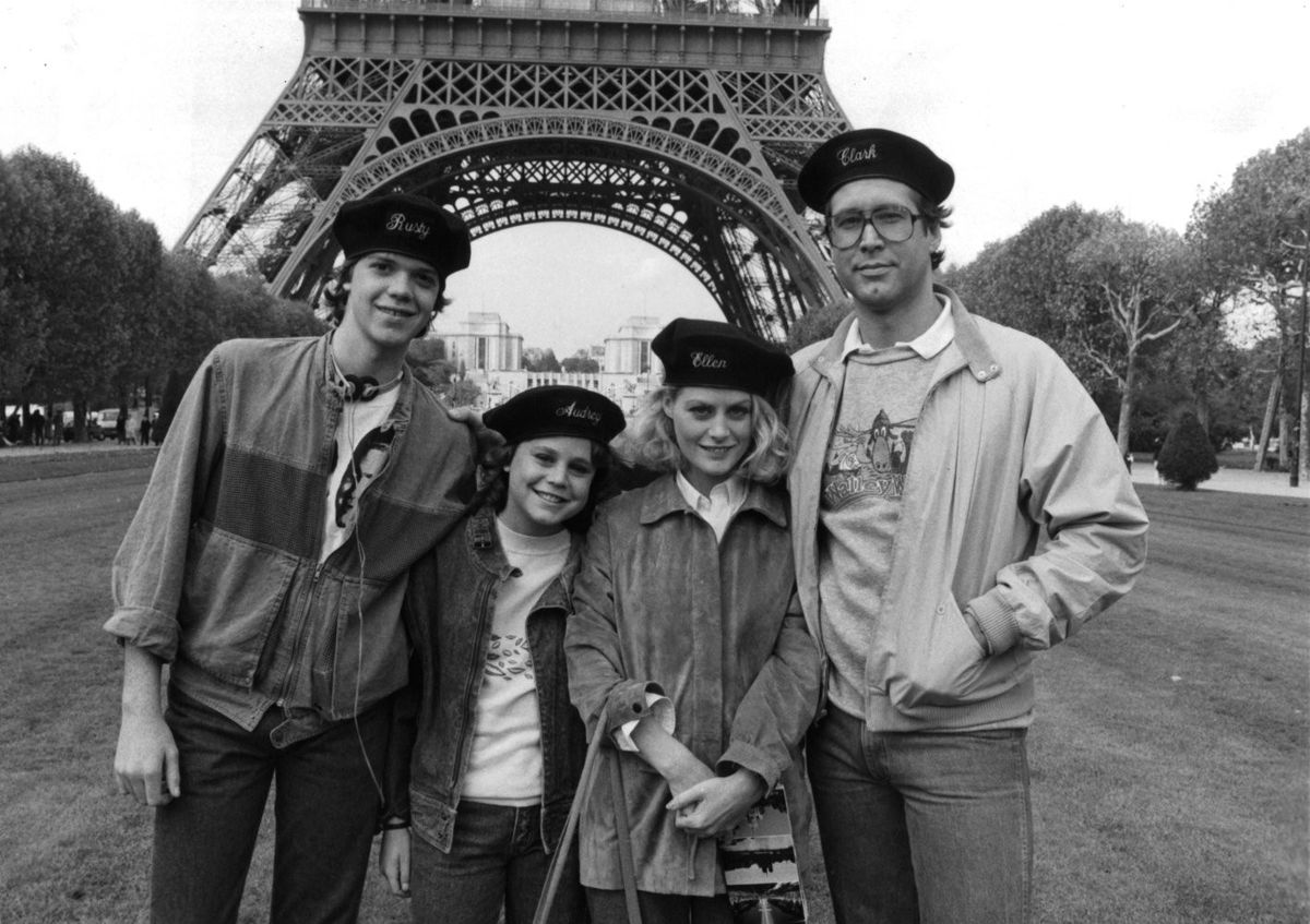 Jason Lively, Dana Hill, Beverley D'Angelo, and Chevy Chase in 'National Lampoon's European Vacation' (1985) (WarnerBros.)