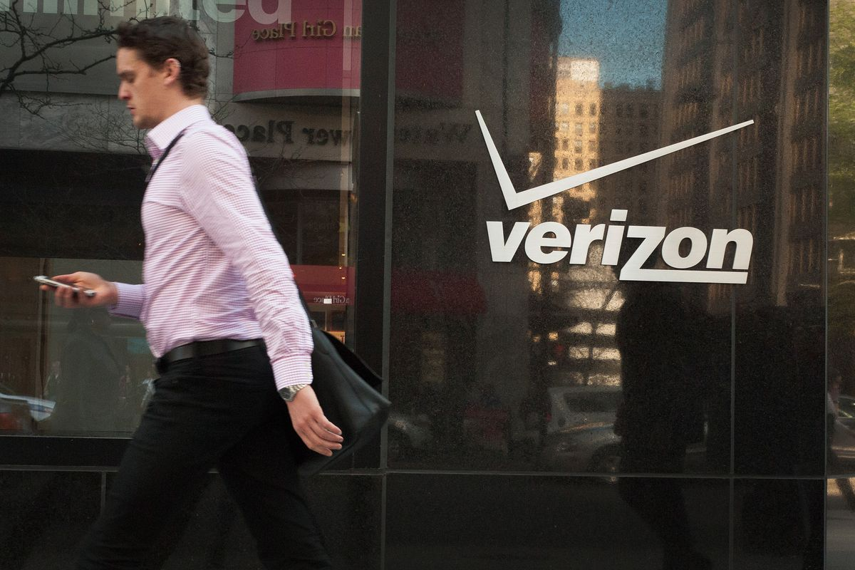 Verizon will now charge more money for in-store activations