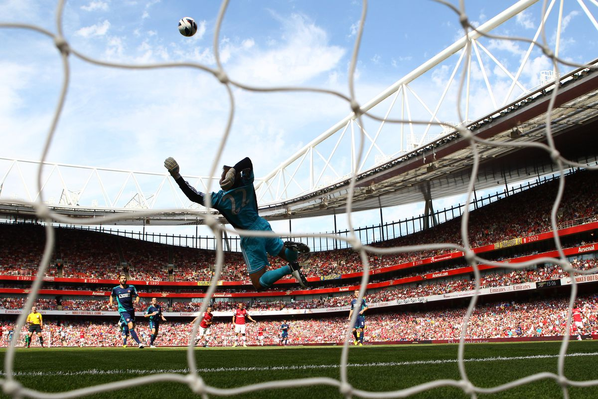 Sunderland kept Arsenal at bay in their opening Premier League game on Saturday and will be looking to keep the Royals out this weekend.