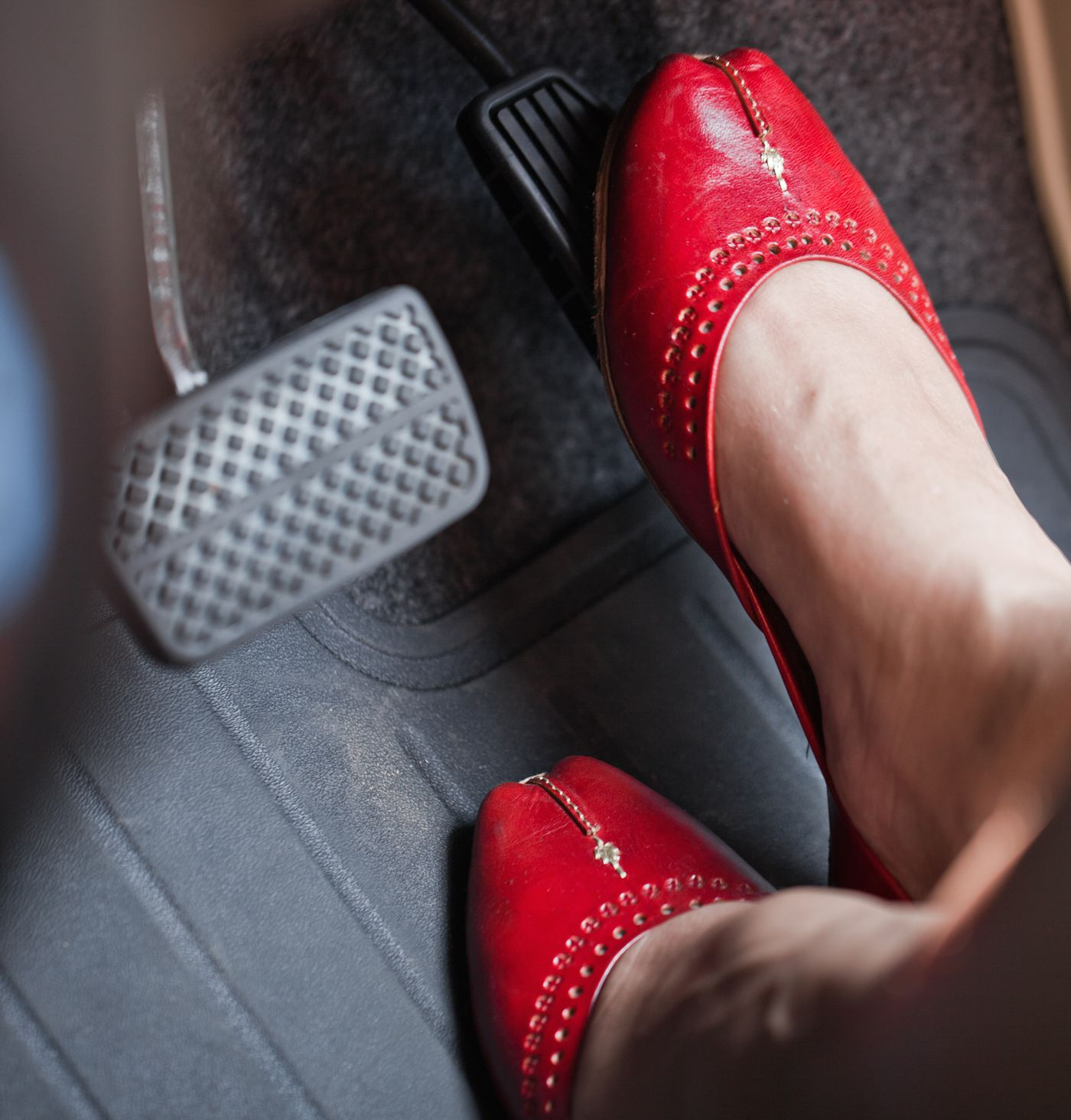 Why some experts think driving with two feet could be safer