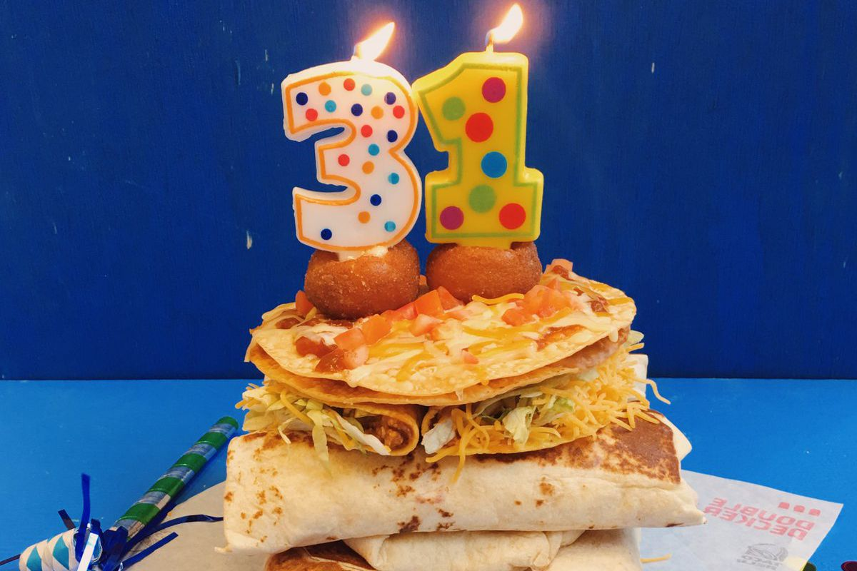 Colts Players Custom Taco Bell Birthday Cake Is A Glorious Mess Eater