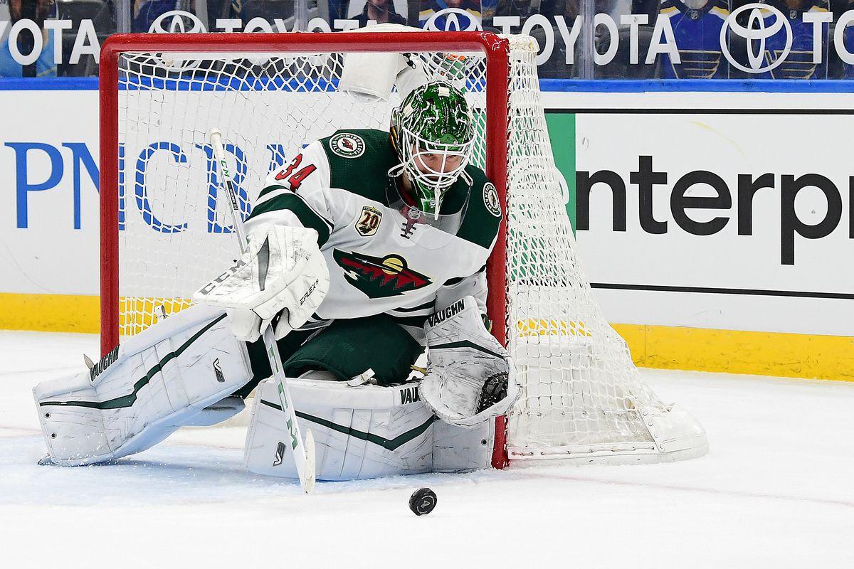 NHL: APR 09 Wild at Blues