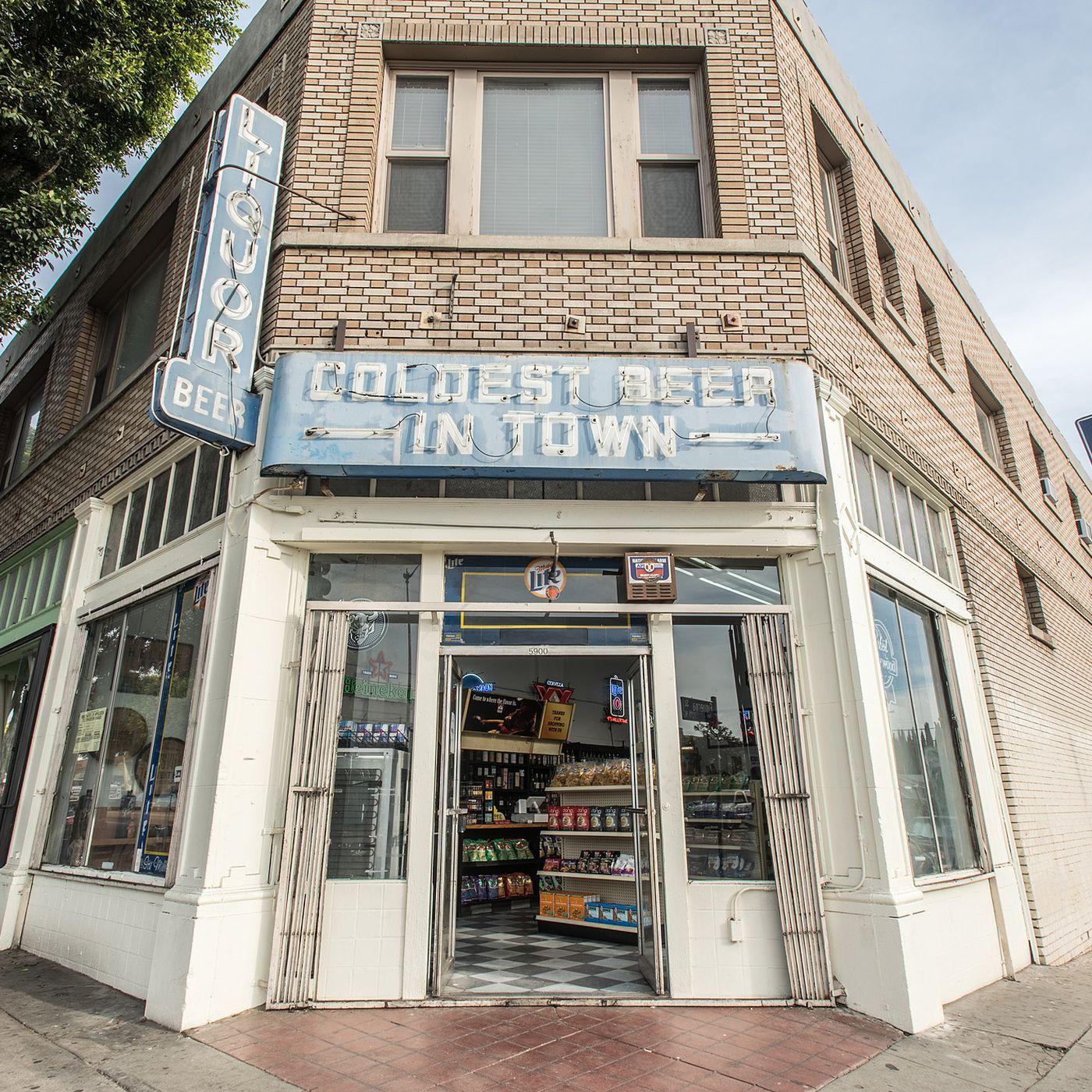 Theres A Secret Deli Hidden Inside This Highland Park Liquor Store